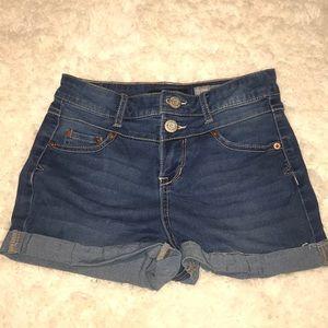 High-Wasted Aeropostale Jean shorts